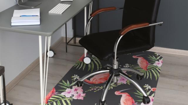 Na co zwrócić uwagę przy zakupie maty pod krzesło biurowe?